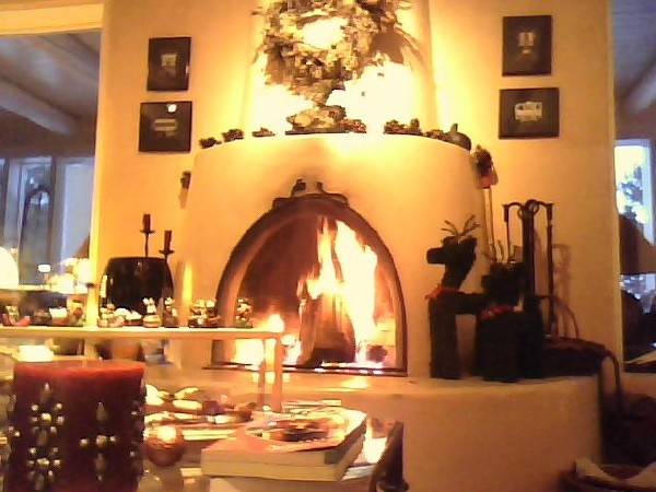 Taos-Vacation-Rental-Living-Room-Fireplace-2