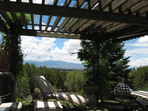 Taos-Vacation-Rental-Pergola-and-Amazing-Views-12